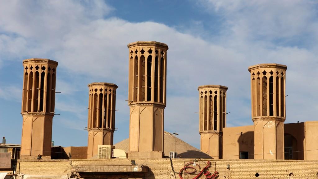 Die Windtürme in Yazd dienen der Klimatisierung der Gebäude
