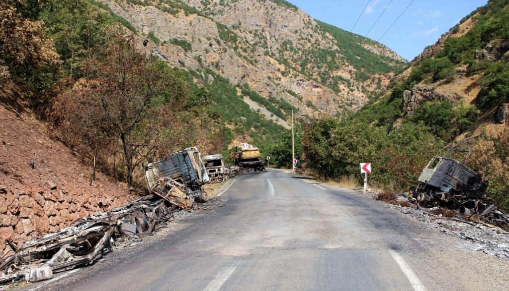 Kampfspuren kurz vor dem PKK-Posten