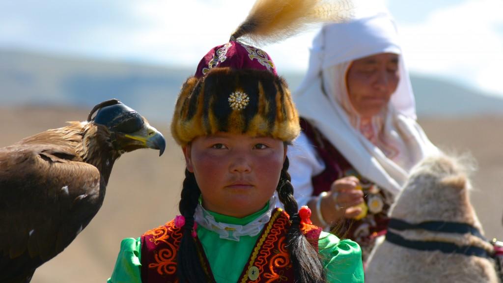 Drei Tage Nadaam Fest - Eine Kulisse wie in einem Film. Mongolei, Altenzugs