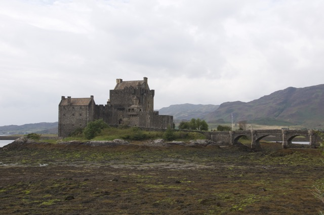 Single-Track-Roads in Schottland - Eilean Donan Castle