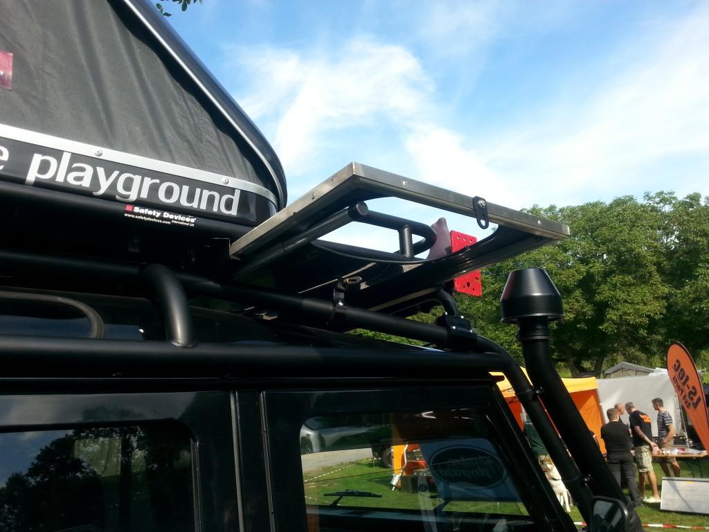 Adventure Playground Mietfahrzeug, cleverer Platz für Arbeits- und Waschtisch