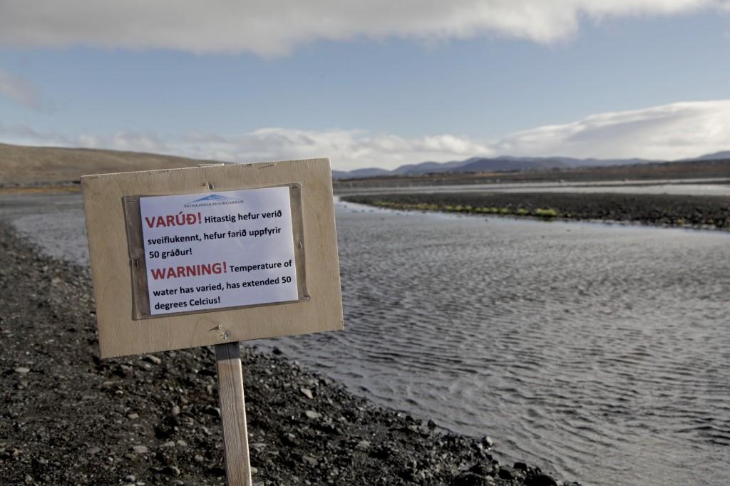 Herbst auf Island - Achtung: Das Wasser kann bis zu 50 Grad heiß sein