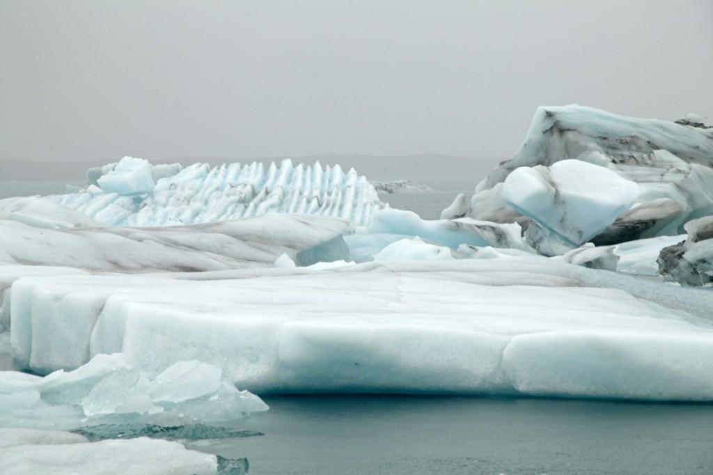 Große Eisschollen auf dem Jökulsárlón