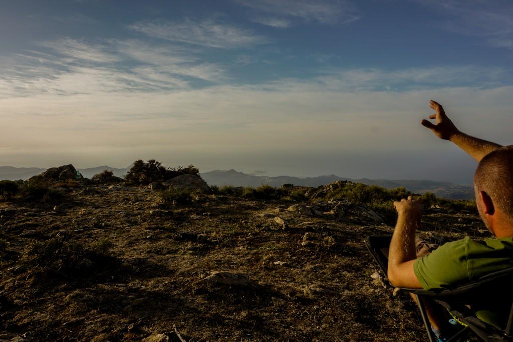Auf dem Weg zu Korsikas Klettergebieten - Dome erklärt ... irgendetwas