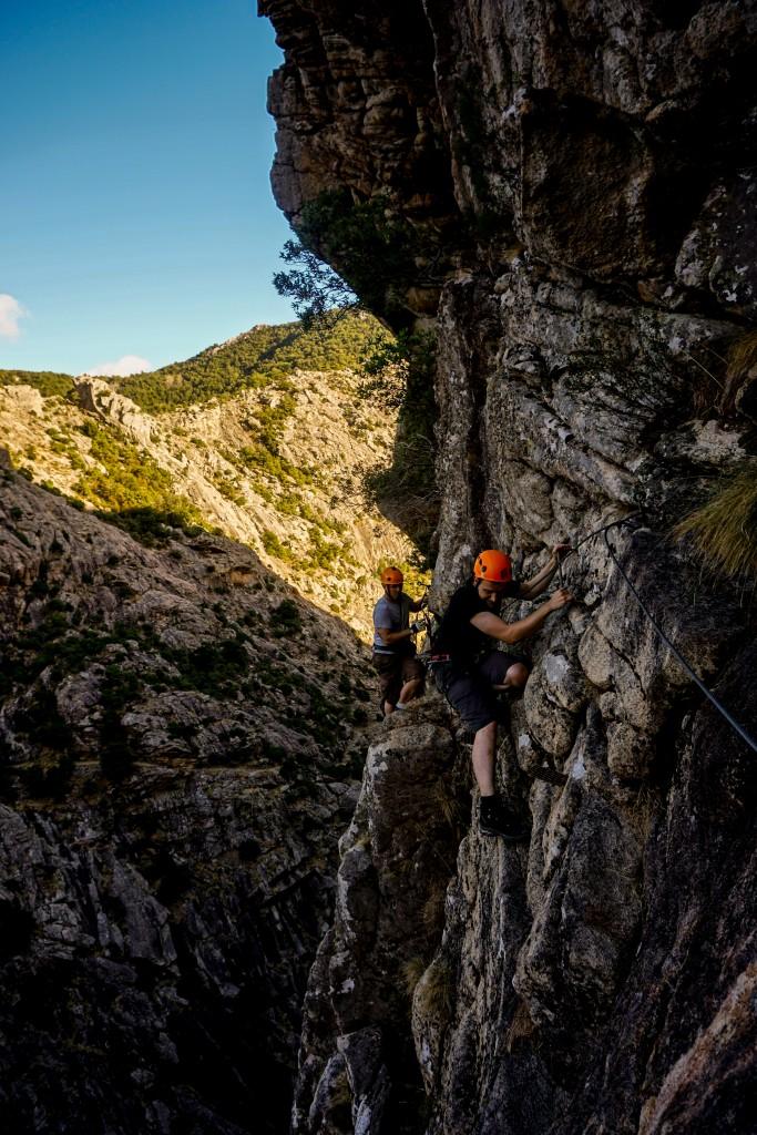 Auf dem Weg zu Korsikas Klettergebieten - Nachmittags im Klettersteig