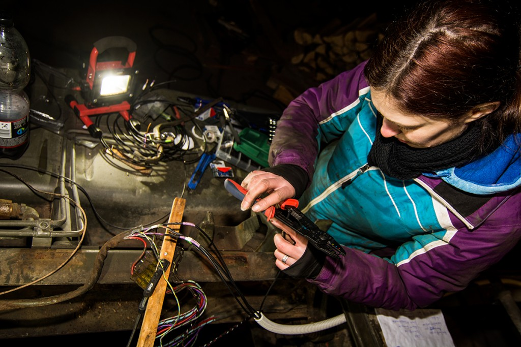Stromleitungen bei frostigen Temperaturen erneuern
