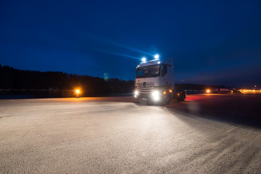 Mit Nolden NCC F240 LED-Fernscheinwerfer