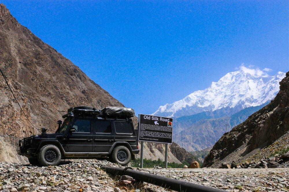 Im Hintergrund der Rakaposhi mit 7.788 m, Karakorum
