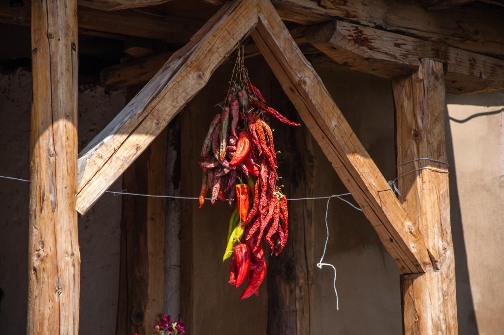 Rot leuchtendes Symbol der Balkan-Region