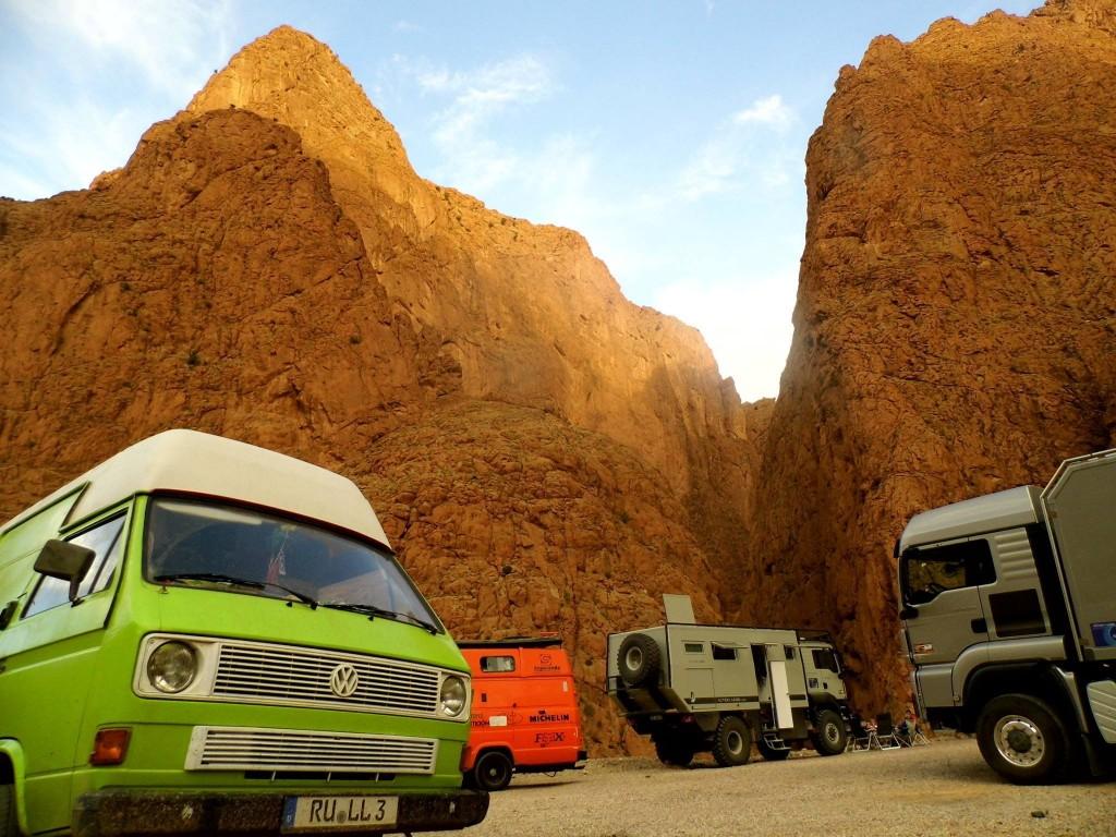 Expeditionsmobiltreffen an der Dades-Schlucht, Marokko