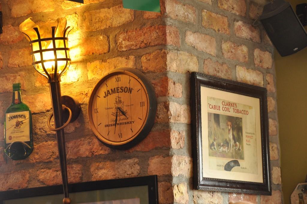 In irischen Pubs gibt es auch irischen Whiskey