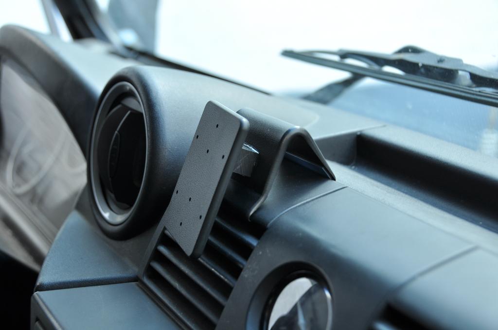 Brodit ProClip für Land Rover Defender Td4