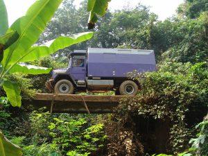 Abenteuerliche Brücken in Afrika