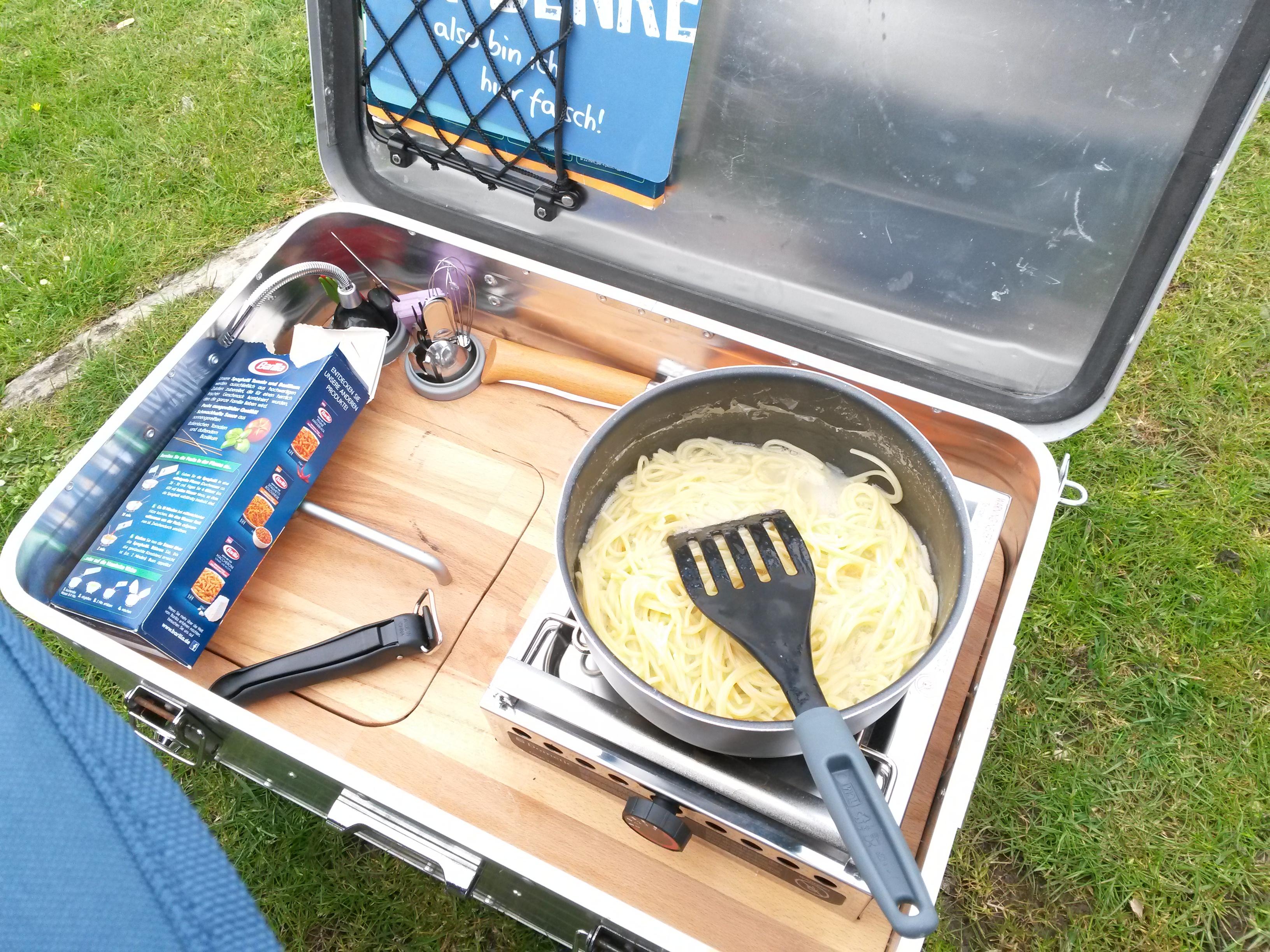 Outdoorküche Camping Ungaran : Kais kochkiste die kompakte campingküche für alle einsätze