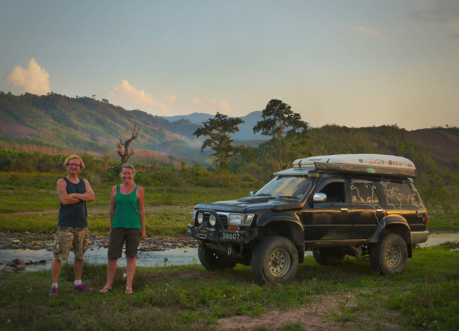 Emma und Andy - Laos, Around the world in 800 Days