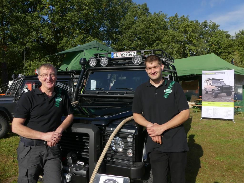 Die Schöpfer: Graham (links) und Toby (rechts) investierten rund 600 Arbeitsstunden.