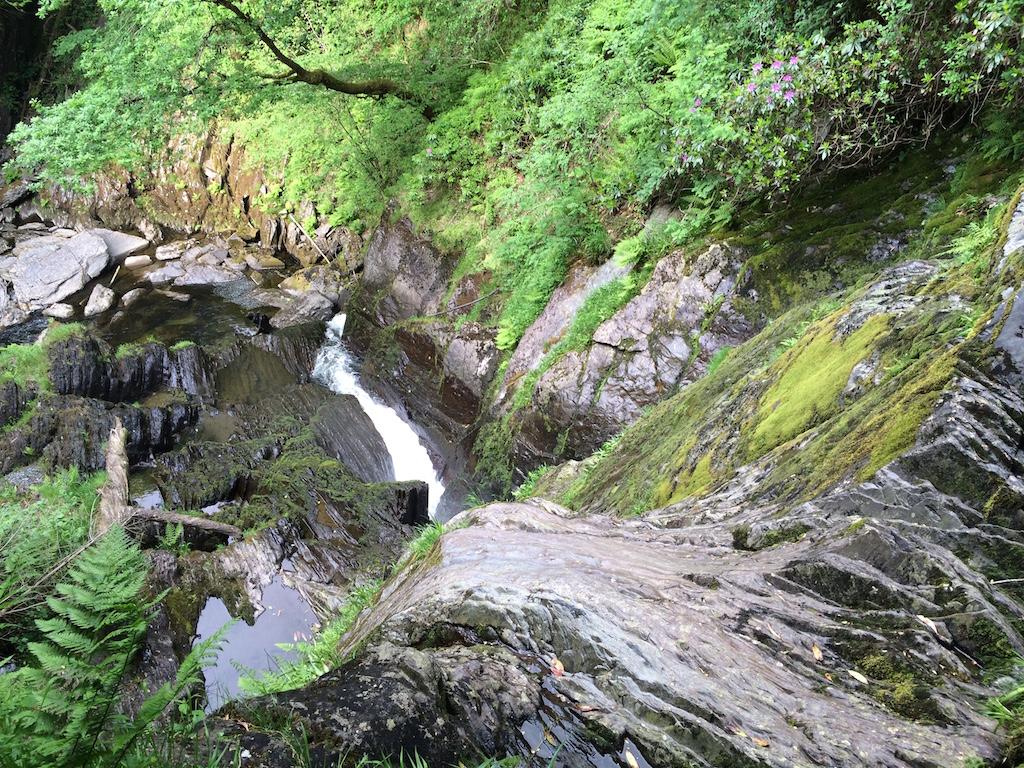 Wales - Wasserfälle unterhalb der Devis Bridge.