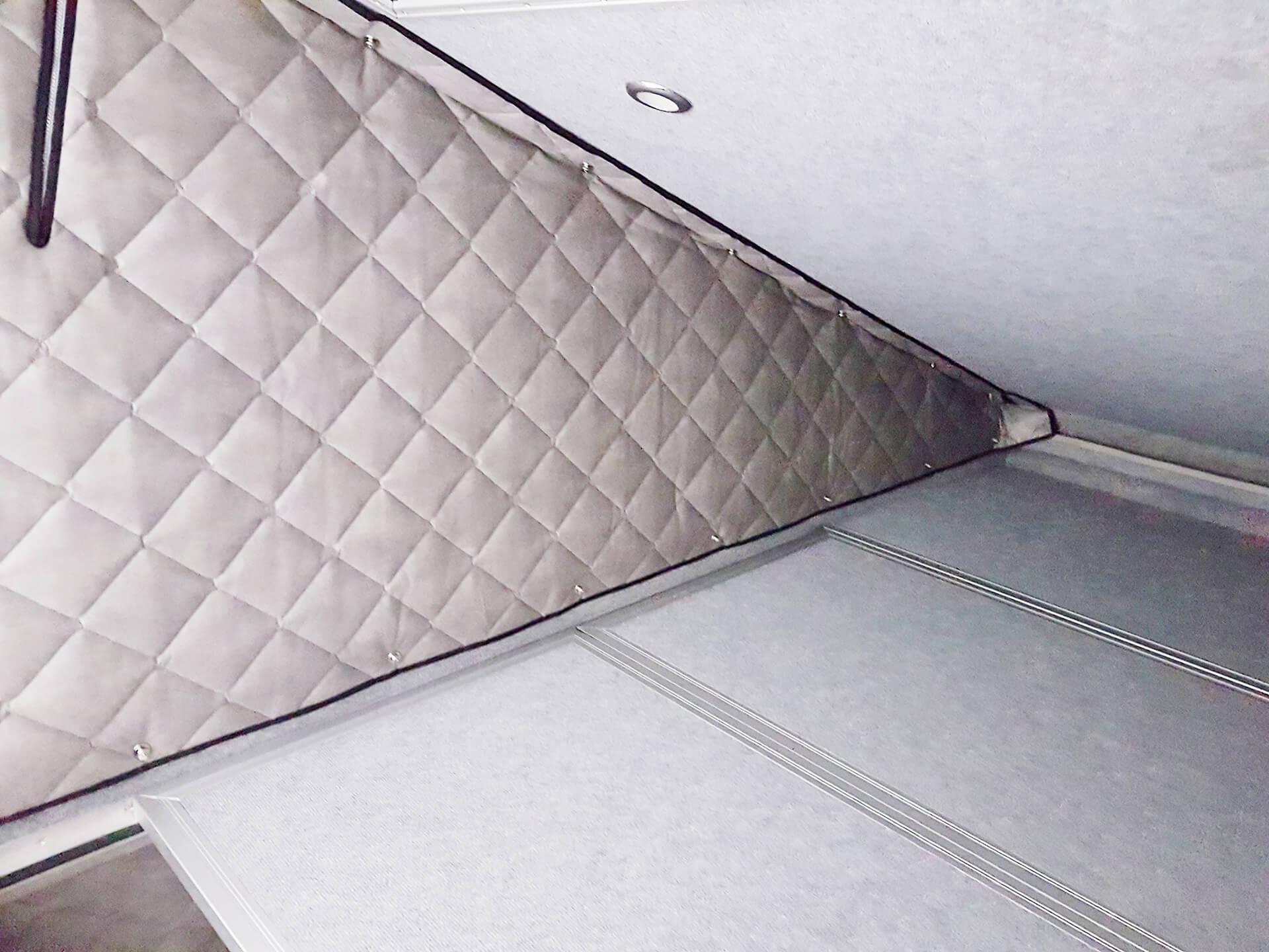blidimax roof die isolierung f r hubdachzeltw nde matsch piste. Black Bedroom Furniture Sets. Home Design Ideas