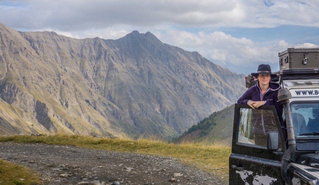 Bodensee Overlander: Claudia und Calimero auf dem Col du Parpaillon in Frankreich