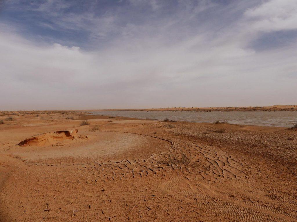 Regenwassersee in der Sahara, Tunesien