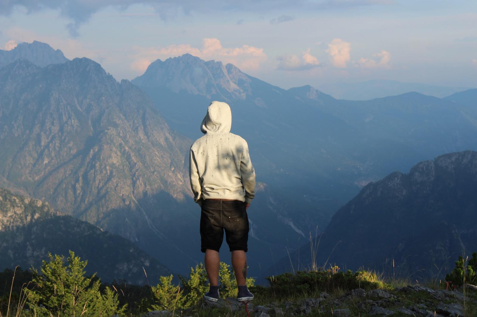 Einsamkeit in den Bergen Albaniens - Denis Oswald Albanien Offroad-Reise