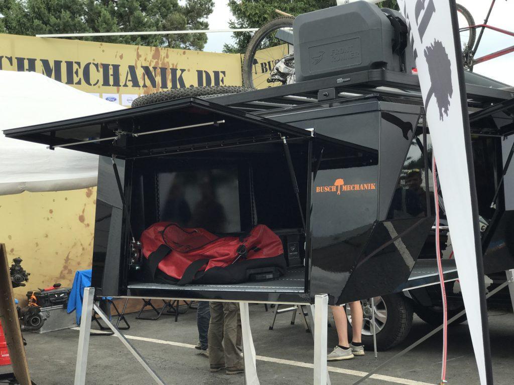 Modulare Pick-up-Kabine mit Festdach und Dachgepäckträger von Buschmechanik und 50TEN