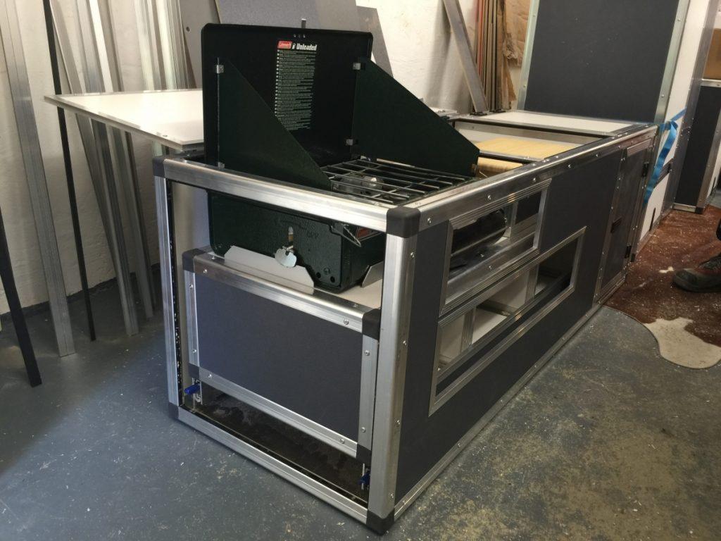 Offgemöbelt Innenausbau des Rockton - Küchenblock