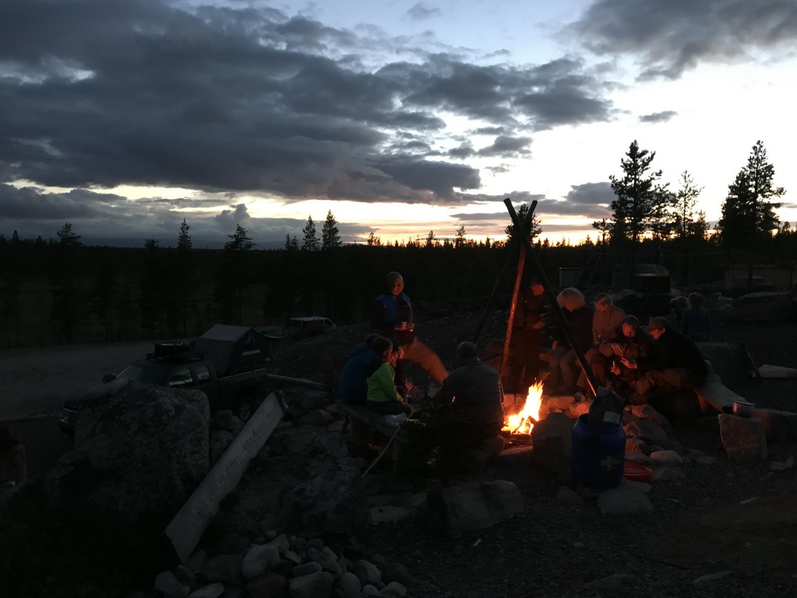 Lagerfeuer im weiterweg.de-Camp.