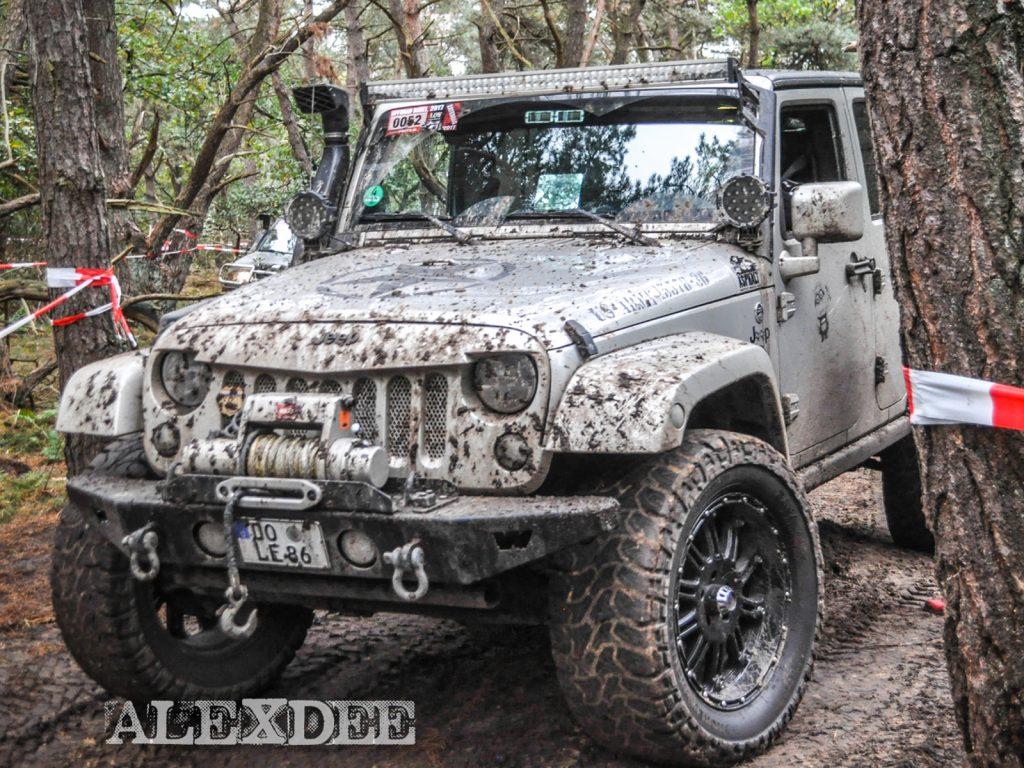 Offroad Budel 2017 - Jeep verlässt das Gelände.