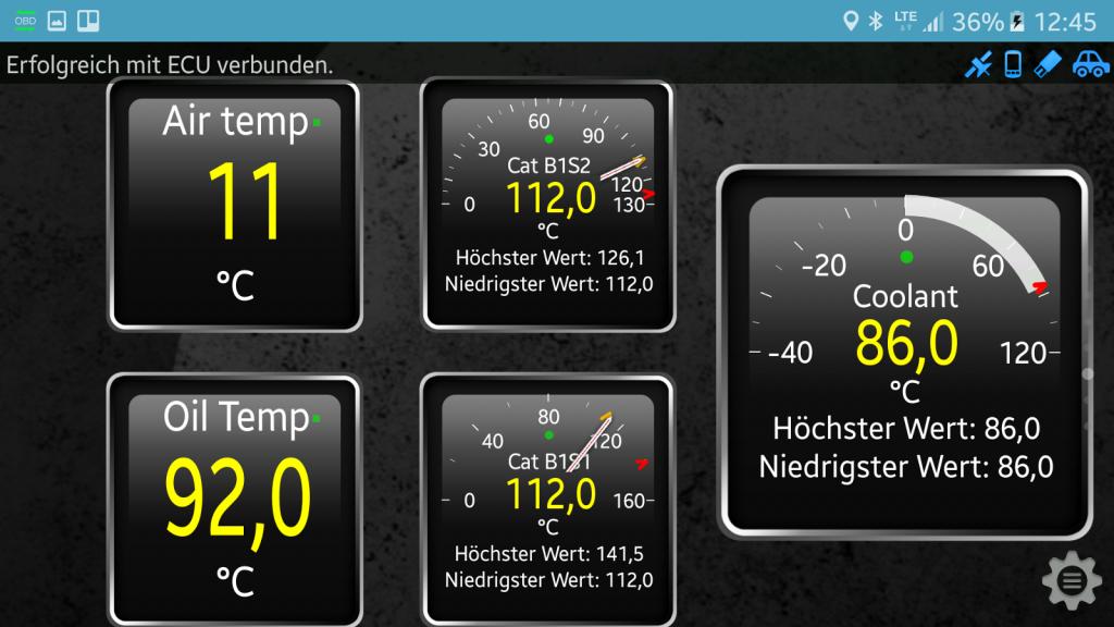OBD-Diagnose - Stecker und App - Die Daten können mit verschiedenen Anzeigen dargestellt werden.