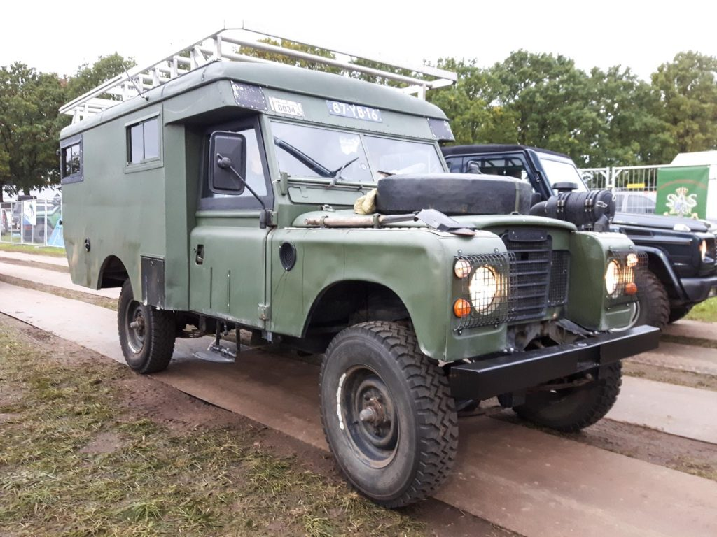 Offroad Budel 2017 - Land Rover Serie III Ambulanz.