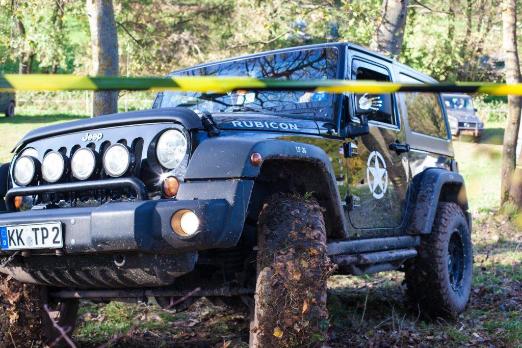 Stock&Stein-Tour 2017 - Die kurzen Jeeps mit den griffigen Reifen haben Vorteile.
