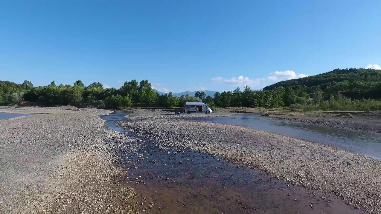Mit dem Fluchtwagen nach Albanien