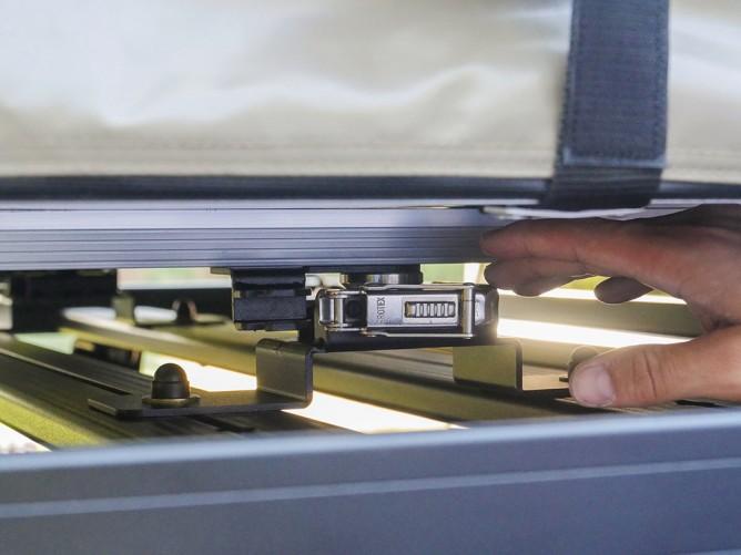 Dachzelt-Montage - Frontrunner Quick Release Befestigungskit für Dachzelte.