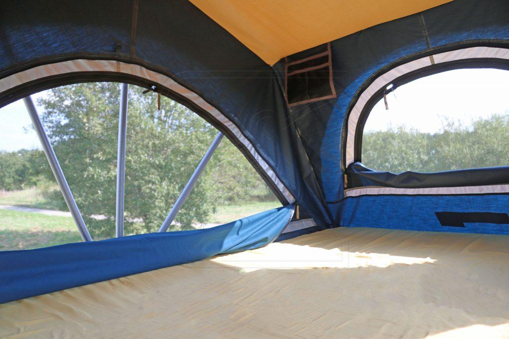 Nakatanenga Rooflodge EXO-Dachzelt - Großzügiger, heller Innenraum.