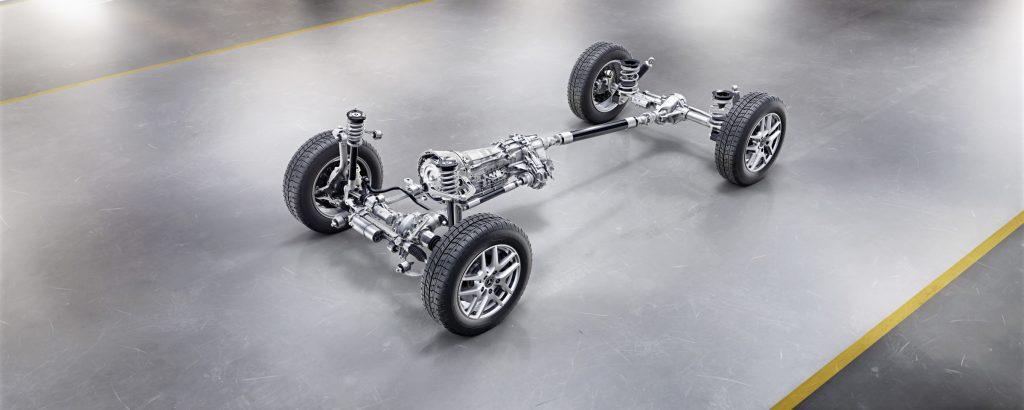 Die neue Mercedes-Benz G-Klasse von 2018 - Einige Neuerungen: Doppel-Querlenker-Achse vorne, Four-Link-Achse hinten, verschraubte Kombination Getriebe-Untersetzungsgetriebe und elektromechanische Lenkung.