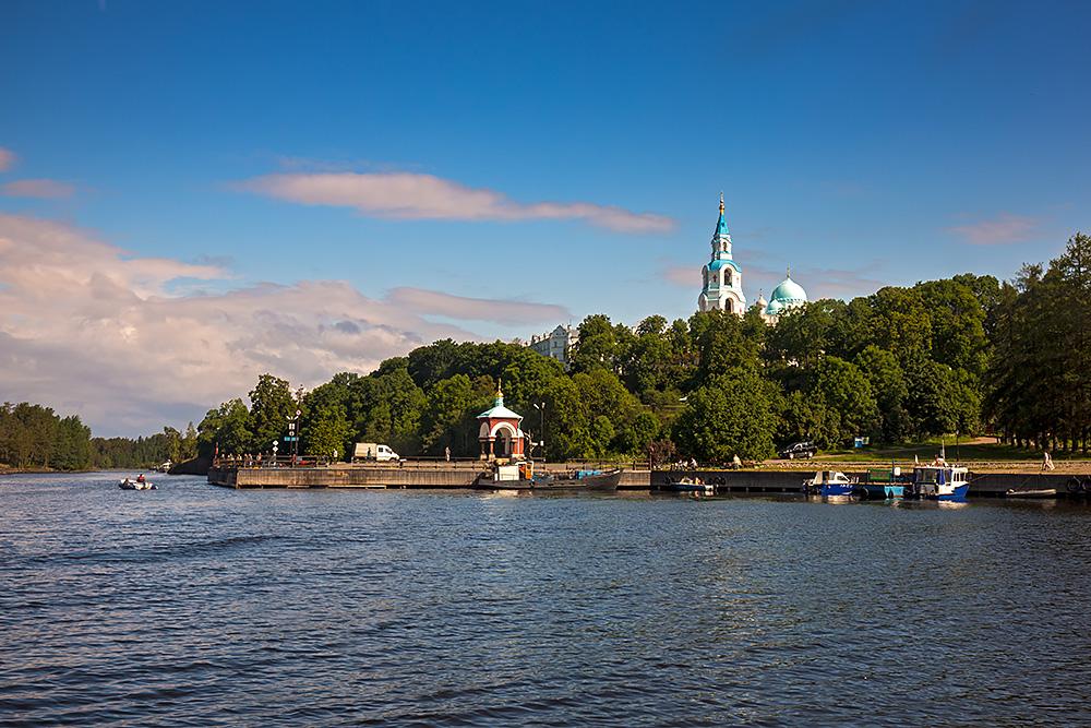 Nordwärts – 12.000 Kilometer durch Karelien, Finnland und Russland. - Erster Blick auf das Kloster auf der Insel Walaam im Ladogasee.