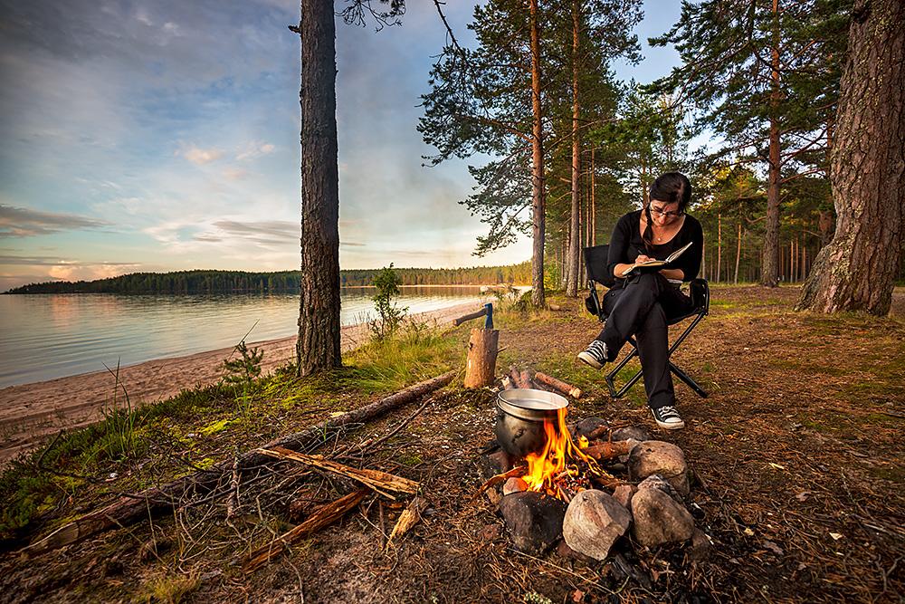 Nordwärts – 12.000 Kilometer durch Karelien, Finnland und Russland. - An den Ufern der beiden großen Seen Kareliens finden sich zahlreiche schöne Übernachtungsplätze.