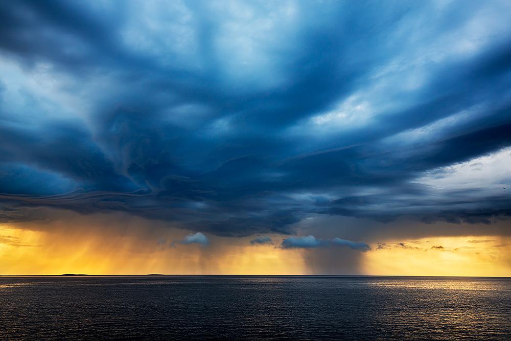 Nordwärts – 12.000 Kilometer durch Karelien, Finnland und Russland. - Ein Vorgeschmack auf die gefürchteten Herbststürme über dem Weißen Meer.