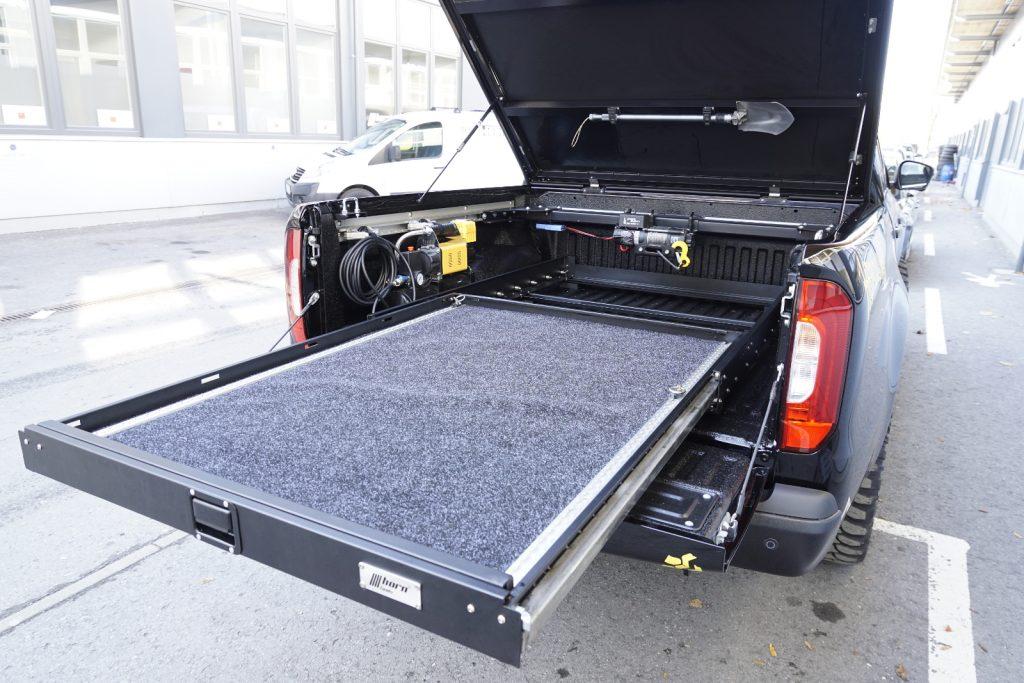 Mercedes X-Klasse Zubehör von horntools - Schwerlastauszug bis 300 Kilogramm.