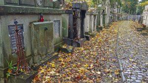 Europas wilder Osten - Lytschakiwski-Friedhof, einer der ältesten in Europa, angelegt 1787 - und schon wieder vermischt sich die ukrainisch-deutsch-polnisch-jüdische Geschichte.