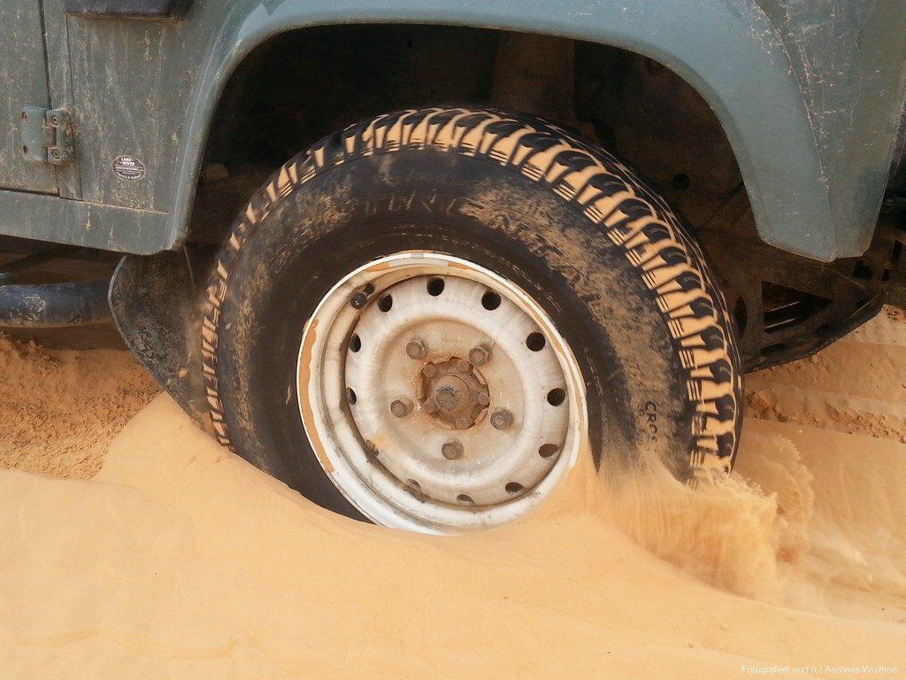 Offroad im Sand - Im Sand sich die Schmutzlappen schnell weg.