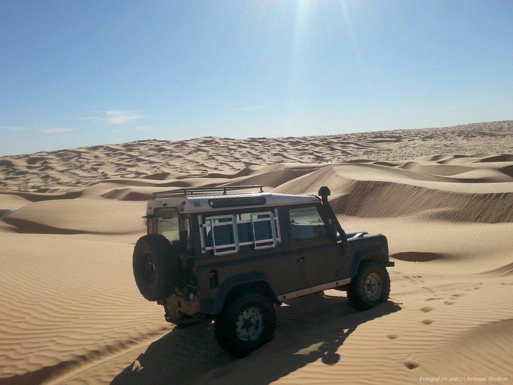 Offroad im Sand - Typisch für Sandfahren: Dünen.