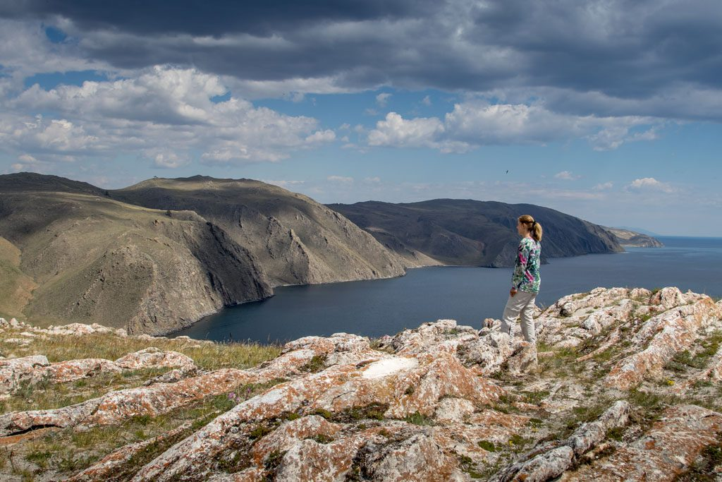 "Wohnmobil-Fernweh - Blick auf den Baikalsee - ""Die blaue Perle Sibiriens""."