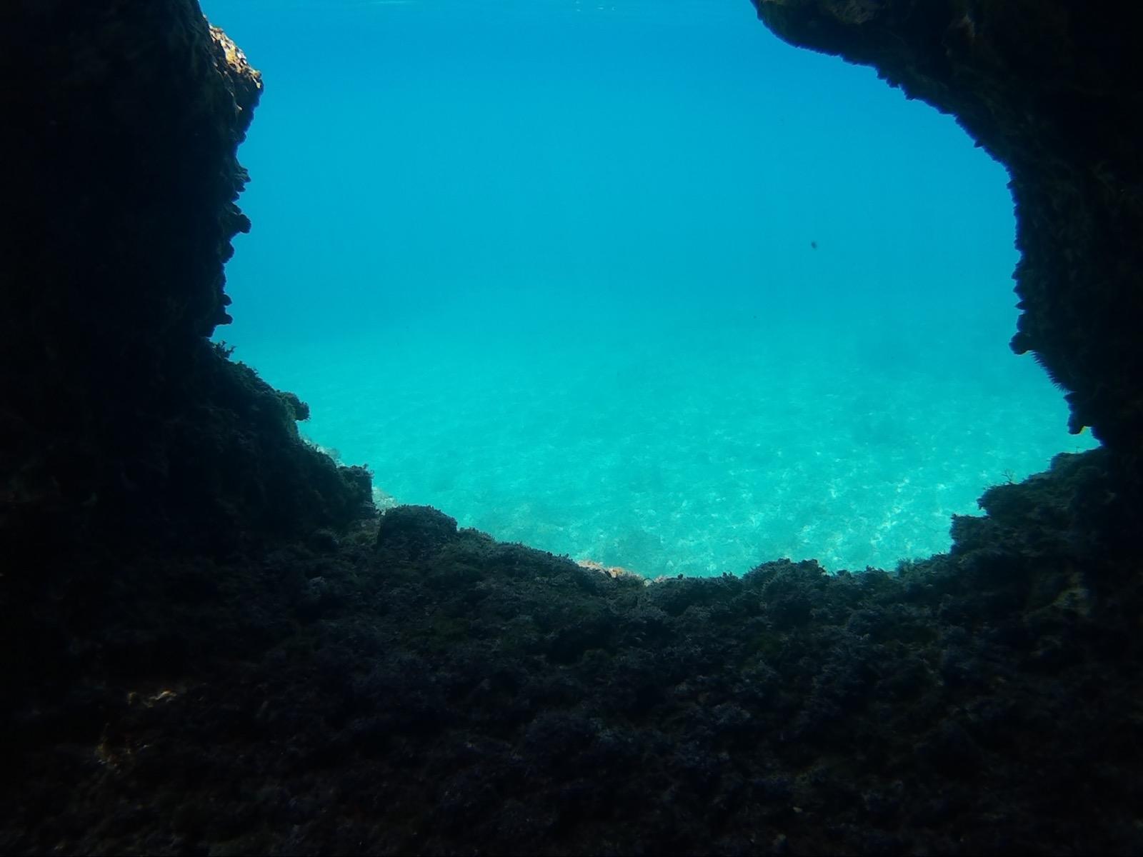 Blaue Grotte in der Zanja Bucht, Kroatien
