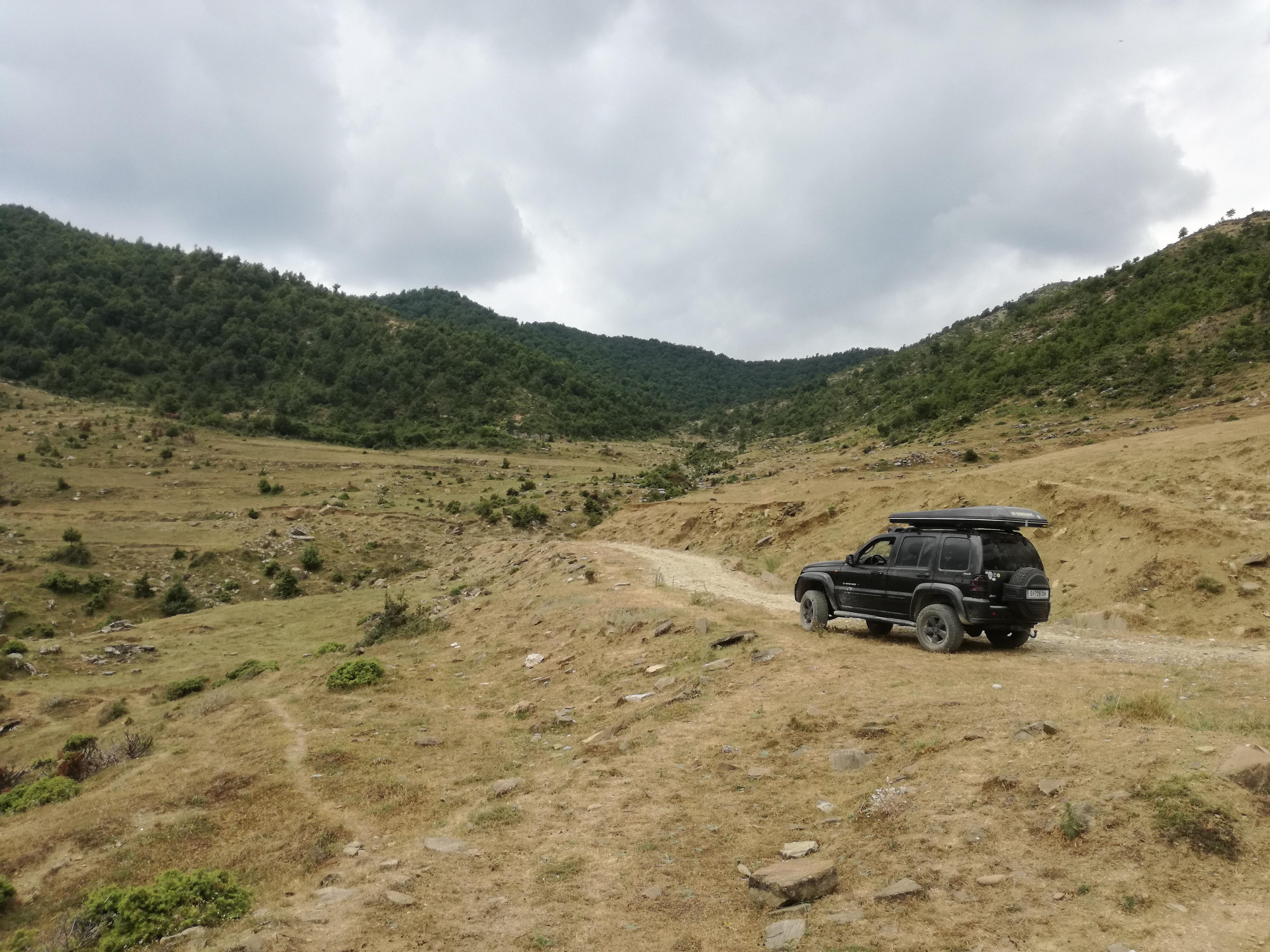 Karge Landschaft, aber großer Offroad-Fahrspaß im albanischen Hinterland