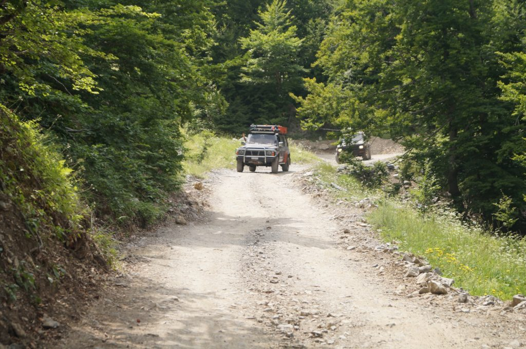 Offroad in Albanien - Dario's Nissan Patrol im Einsatz.