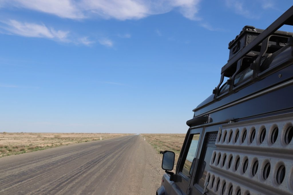 Offroad-Reise Pamir Highway - Endlose Steppe.