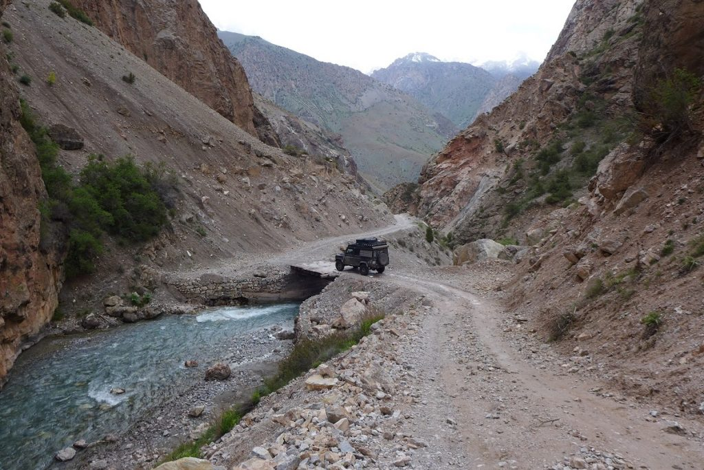 Offroad-Reise Pamir Highway - Fenn-Gebirge.