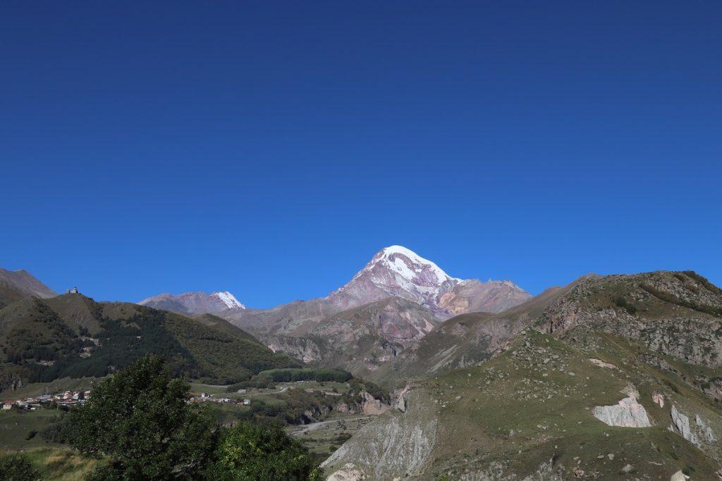 Offroad in Georgien - Kazbegi im Großen Kaukasus.